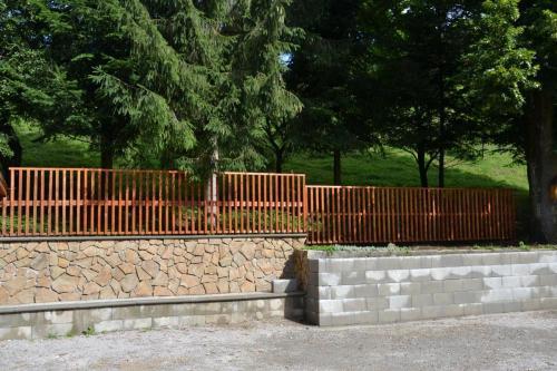 Oporný múr 2